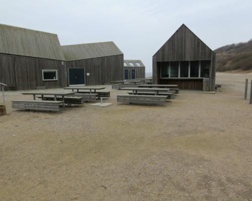 168 Hammerhavn_udendørs gulv og bænke og borde